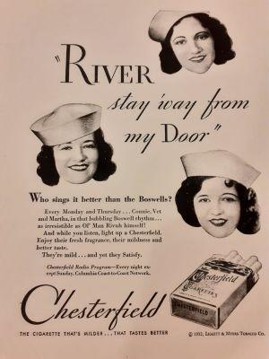 Haaleassa vanhassa tupakkamainoksessa näkyy myyntitekstien lisäksi Boswell Sistersien jäsenet merimieslakeissa