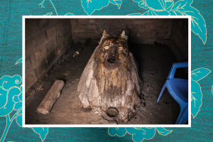 Koteja vartioivan sanansaattajajumalan Legban fetissi