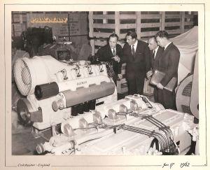 Thorvald Strömberg på besök i motorfabrik i England 1962.