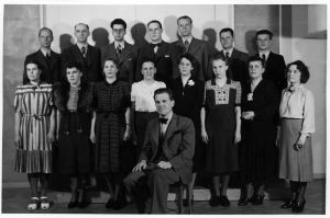 Nils-Eric Fougstedtin Yleisradioon perustama Solistikuoro alkuperäisessä kokoonpanossaan vuonna 1940.