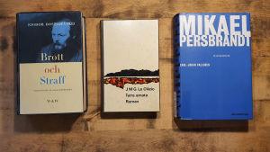 Böckerna Brott och Straff av Fjodor Dostojevskij, Terra Amata av J.M.G Le Clezio och Så som jag minns det - en biografi om Mikael Persbrandt