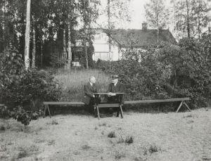 P.E. Svinhufvud ja Paavo Virkkunen Kotkaniemessä.