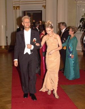 Jorma Uotinen ja Helena Lindgren linnan juhlissa 1997.