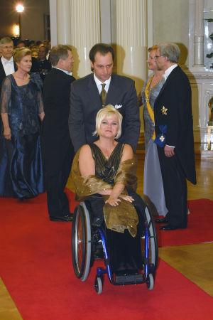 Pirjo Kauppinen ja Jari Jokinen Linnan juhlissa vuonna 2002.