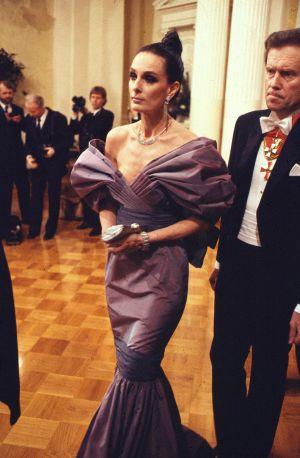 Maria Melin Linnan juhlissa 1987.