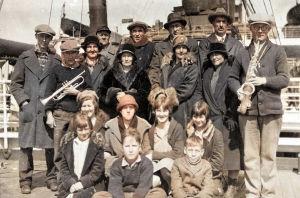 Amerikansuomalaisia merimatkalla Yhdysvalloista Englantiin noin 1920-luvulla.