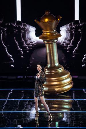 Lauran esityksessä shakkinapuloilla oli iso rooli.