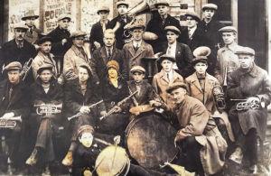 Kontupohjan paperitehtaan klubin soittokunta 1930-luvun alussa.