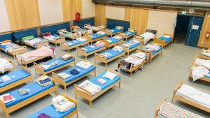 Evakueringsplats för asylsökande i Ursvik, Sverige.