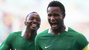 John Obi Mikel är en nigeriansk fotbollsspelare.