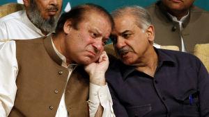 Pakistans avsatte premiärminister Nawaz Sharif med sin bror Shahbaz Sharif