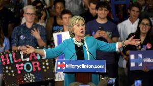 Över hälften av amerikanerna anser att Hillary Clinton är opålitlig.