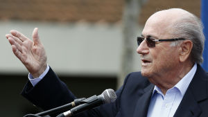 Fifa-chefen Sepp Blatter håller tal i Manila den 30 november 2014.