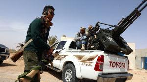 Milismännen som försöker driva ut jihadisterna i Sirte kommer främst från grannstaden Misrata. Minst 350 milismän har dödats sedan offensvien inleddes i maj