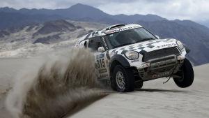 Mikko Hirvonen i elden i Dakar-rallyt.