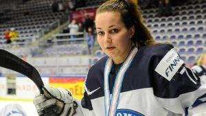Ishockeyspelaren Susanna Tapani vid VM 2015.
