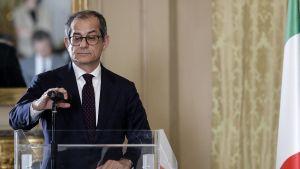 Finansminister Giovanni Tria väntas redan idag ge Italiens formella svar till EU om landets budget