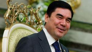 President Berdimuhamedov har fått sin vilja igenom då hockeyn växer i Turkmenistan.