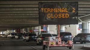 stängd terminal på flygplatsen i Fort Lauderdale