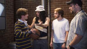 James Franco esittää pääosaa, Tommy Wiseauta, The Disaster Artist -leffassa.
