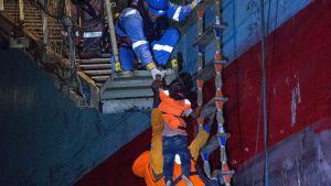 Lifeline utför räddningsoperation på Medelhavet 21.6.2018.
