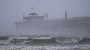 Orkanen Florence nådde North Carolina på fredagsmorgonen.