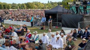 Omkring 20 000 människor deltog i en minnesstund i Hagley Park, i Christchurch den 29 mars