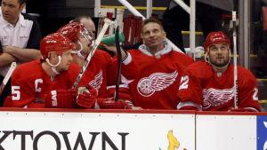 Niclas Lidström, Brian Rafalski, Dominik Hasek och Brett Lebda i Detroit 2008.