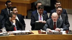 Rysslands och Venezuelas ambassadörer i FN.