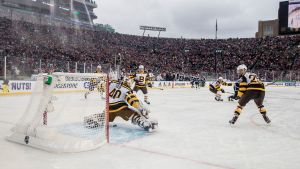 Tuukka Rasks Boston slog Chicago i Winter Classic.