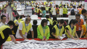 rösträkning efter aparlamentsvalen i hongkong september 2016