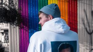 Tämän kylän homopoika -blogin pitäjä Eino Nurmisto