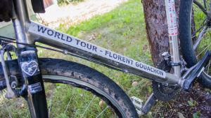 En cykel i närbild.