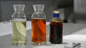 Dieselbränsle som tillverkats av plastavfall.