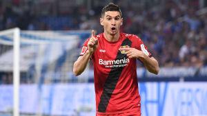 Lucas Alario debuterade i Leverkusen genom att göra ett mål och passa till ett i matchen mot HSV.