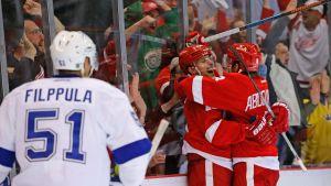 Detroit Red Wings firar framför en besviken Valtteri Filppula.