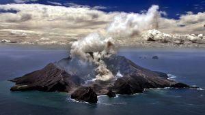 Så här såg vulkanen på White Island  ut 29.11.1999