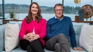 Porträtt på Melinda och Bill Gates.