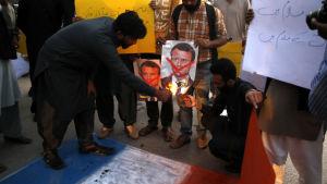 Demonstration i Islamabad, Pakistan 27.10.2020 mot Frankrikes president  efter dennas försvar av yttrandefrihet