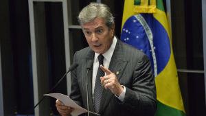 Brasiliens tidigare president Fernando Collor de Mello talar i senaten.