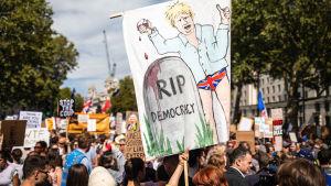 Demonstrationer 31.8 mot Boris Johnsons beslut att stänga parlamentet.