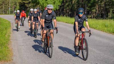 Cyklister på vägen.