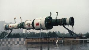 En replika av den sovjetiska rymdstationen Saljut 7.