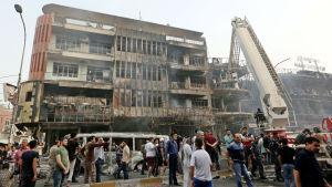Shaad-torget i Karada i bagdad efter terrordåd som krävde över 130 liv.