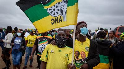 Zumas anhängare protesterade i Nkandla i KwaZulu-Natal då domen mot honom förkunnades.