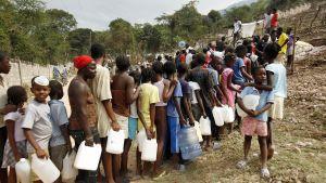 Haitier köar för att få vatten
