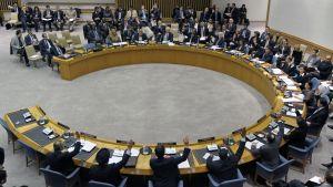 FN:s säkerhetsråd röstar enhälligt om sanktioner mot Libyen