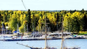 Briggen Tre Kronor besöker Vasa