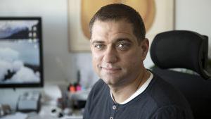 A-klinikkasäätiön johtava ylilääkäri Kaarlo Simojoki