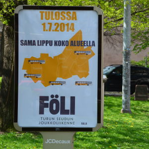 Reklamskylt på den regionala kollektivtrafiken Föli i Åboregionen.